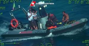 Guarda la versione ingrandita di Silvio Anzola, recuperato corpo terzo sub morto a Palinuro (foto Ansa)