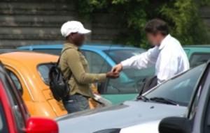 """Ravenna: poliziotta su Facebook contro parcheggiatore """"schifoso"""""""