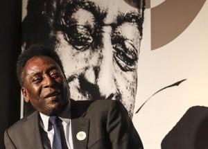 """Rio 2016, Pelé: """"Non sarà l'ultimo teodoforo, non sto bene"""""""