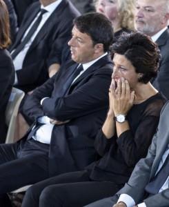 Guarda la versione ingrandita di Terremoto Centro Italia: il lungo pianto di Agnese Renzi FOTO