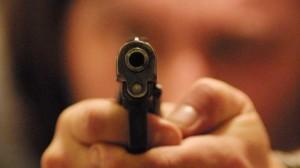 Treviso, il fidanzato della figlia è italiano: lo minaccia di morte per farli lasciare