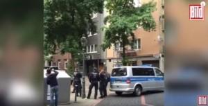 Guarda la versione ingrandita di YOUTUBE Germania: mega blitz anti Isis, arrestati presunti jihadisti