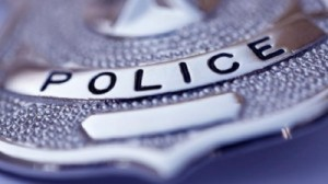 Guarda la versione ingrandita di Usa: poliziotto ucciso a colpi di pistola. Killer armato in fuga