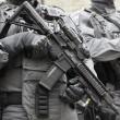 Terrore Londra, attacco a coltellate: un morto e sei feriti1