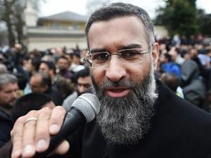"Isis, ""Google, Twitter e Facebook sua linfa vitale"": l'accusa di un deputato inglese"