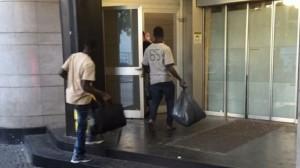 Guarda la versione ingrandita di Piacenza, profughi in hotel con una prenotazione su Booking