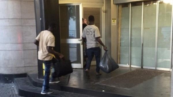 Piacenza, profughi in hotel con una prenotazione su Booking