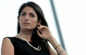 "Raggi: ""Cellulite ce l'ho, so' femmina. E la Boschi…"" VIDEO"