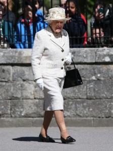 Uccidete la Regina: 4 fermati in 3 mesi a Buckingham Palace, armati di coltelli, pazzi, ubriachi ma...