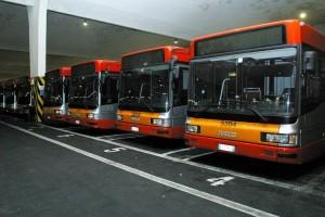 Atac Roma, emergenza bus guasti: su 100 ne restano fermi 35