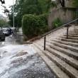 Roma, bomba d'acqua paralizza città: metro in tilt, strade allagate...04