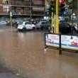 Roma, bomba d'acqua paralizza città: metro in tilt, strade allagate...03