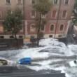 Roma, bomba d'acqua paralizza città: metro in tilt, strade allagate...01