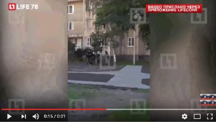 YOUTUBE Isis in Russia: assalto a stazione polizia con pistole e accette5