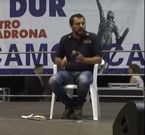 """""""Salvini ha finito le felpe, è passato alle divise""""….fuoco bipartizan sul capo della Lega"""