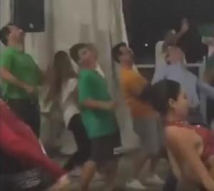 """YOUTUBE Matteo Salvini balla """"Andiamo a comandare"""""""