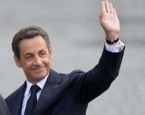 Guarda la versione ingrandita di Francia, Nicolas Sarkozy si candida all'Eliseo per le presidenziali 2017