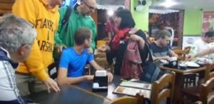 """YOUTUBE Alex Schwazer risponde male ai giornalisti: """"Rispettatemi"""""""