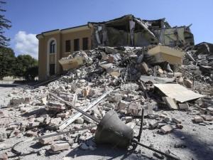 Terremoto Amatrice, scuola ristrutturata e crollata: rimpallo Comune-Regione