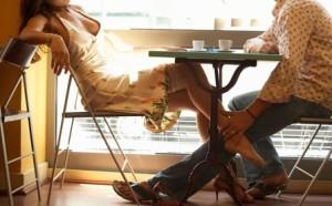 Camaiore, coppia si apparta in un ristorante: spaccano tutto, gestore si sente male