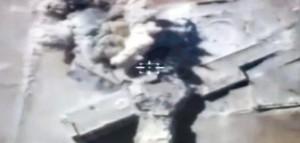Guarda la versione ingrandita di Siria: Isis si ritira da Manbij ma...2mila civili scudi umani (foto Ansa)