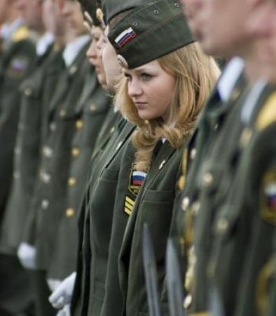 Miliwoman.com: quando le soldatesse si spogliano... 08