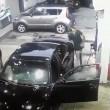 YOUTUBE Tentano di rapinarlo al distributore: sparatoria ad Atlanta 4
