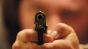 Napoli, spari a Rione traiano, 2 feriti: donna e ragazzo 19 anni