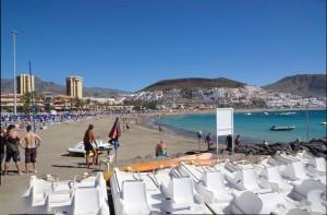 Tenerife, ragazza di 17 anni scambia auto per taxi: abusata