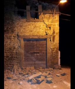 Terremoto Amatrice e Norcia: le prime foto, crolli e macerie