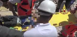 YOUTUBE Terremoto Amatrice: due bambini estratti vivi dalle macerie