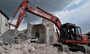 Guarda la versione ingrandita di Terremoto, soldi della ricostruzione spesi in consulenze