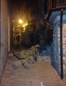 Terremoto centro Italia: si scava per cercare 100 persone sotto macerie
