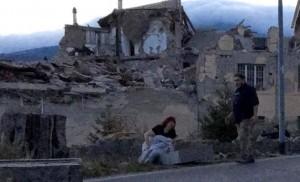 Terremoto, Amatrice: bambino chiede aiuto da sotto macerie
