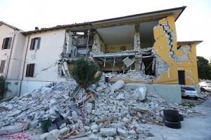 Terremoto, effetto domino la grande paura