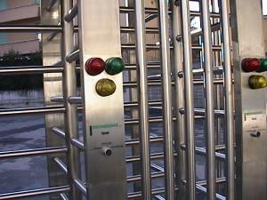 Calcio, Olimpico Roma: tornelli rileveranno impronte digitali. E le barriere...