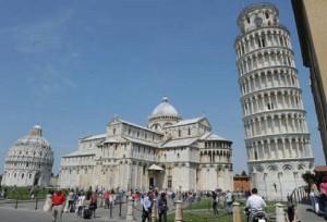 Guarda la versione ingrandita di Pisa: fermato terrorista tunisino. Voleva far saltare Torre e aeroporto (foto d'archivio Ansa)