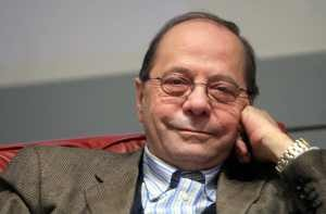 Guarda la versione ingrandita di Banche crollano in Borsa: gli aumenti di capitale fanno paura, Giuseppe Turani (nella foto) spiega perché