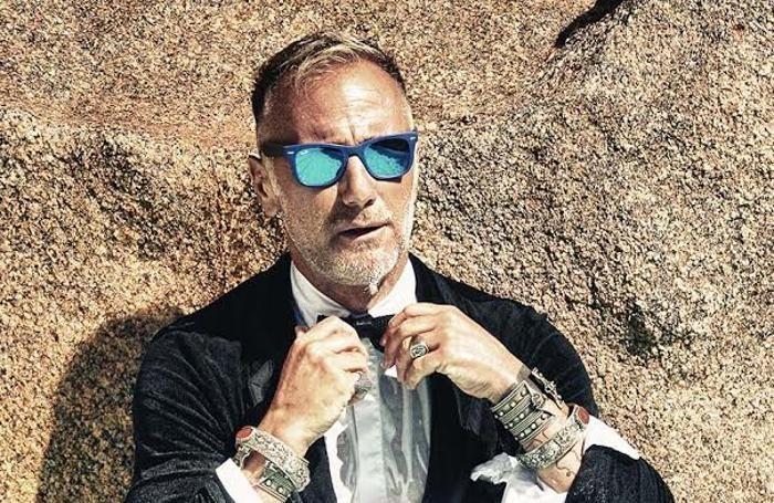 """Gianluca Vacchi, scherzo al citofono: """"Enjoy sto c..."""""""