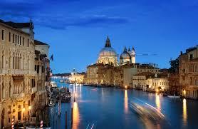 Guarda la versione ingrandita di Venezia, affitta a 20mila a settimana, dichiara 70mila l'anno