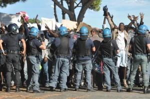 Ventimiglia, fermati alla frontiera tre francesi armati (foto Ansa)