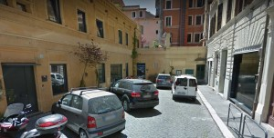 Roma, incendio in Bed & Breakfast in centro: tre feriti
