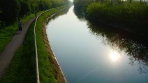 Milano, ragazzino si tuffa nel canale Villoresi, picchia la testa e muore