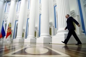 Russia-Ucraina, si muovono le truppe. Alta tensione per la Crimea