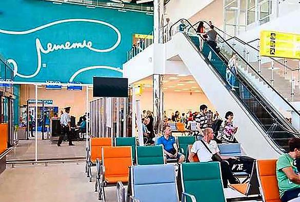 Volgograd: simbolo fallico aeroporto cancellato prima dell'arrivo di Putin FOTO