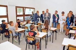 Guarda la versione ingrandita di Acquasanta Terme, sciacalli rubano pc nella scuola ricostruita dopo il terremoto