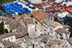 Arquata del Tronto, terremotati in visita dal Papa. Ma devono pagarsi il pranzo