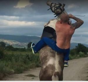 Dinko Valev, cacciatore di migranti che protegge la Bulgaria. Ma Isis lo vuole morto