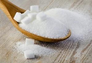 """Zucchero, medici pagati per mentire su rischi salute. Studio svela anni di """"depistaggi"""""""