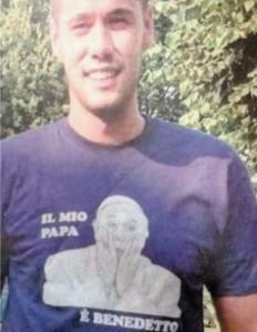 Lega Nord contro Papa Francesco, magliette pro-Ratzinger